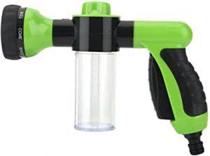 pistolet avec réservoir pour l'arrosage du jardin