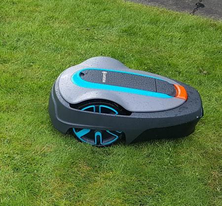 tondeuse pelouse robot gardena
