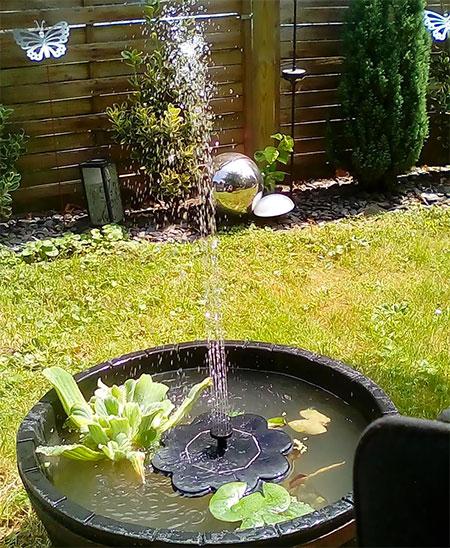 fontaine avec grand jet d'eau
