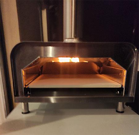 flamme dans four à bois