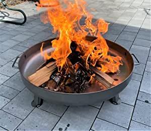 brasero extérieur pour le jardin avec grandes flammes
