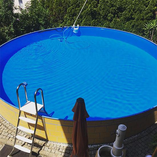 piscine design avec autocollant